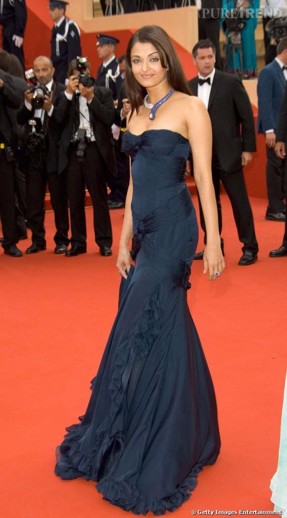 L'îcone : Aishwarya Rai, la reine de Bollywood et égérie de L'Oréal. D'abord élue Miss Monde, la belle Indienne poursuit sa carrière dans le mannequinat. Mais les paillettes de Bollywood lui font de l'oeil et, rapidement, elle se retrouve sur les tournages des films Bollywoodiens. À ce jour, Aishwarya est l'actrice indienne la plus connue et la plus payée dans son pays. Depuis son élection, elle est passé du sari aux robes de couturiers Européens, mais garde toujours la touche asiatique à travers ses bijoux clinquants et ses robes colorées.