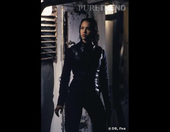 Les canons de beautés dans les séries     Série:  Dark Angel    Nom :  Jessica Alba