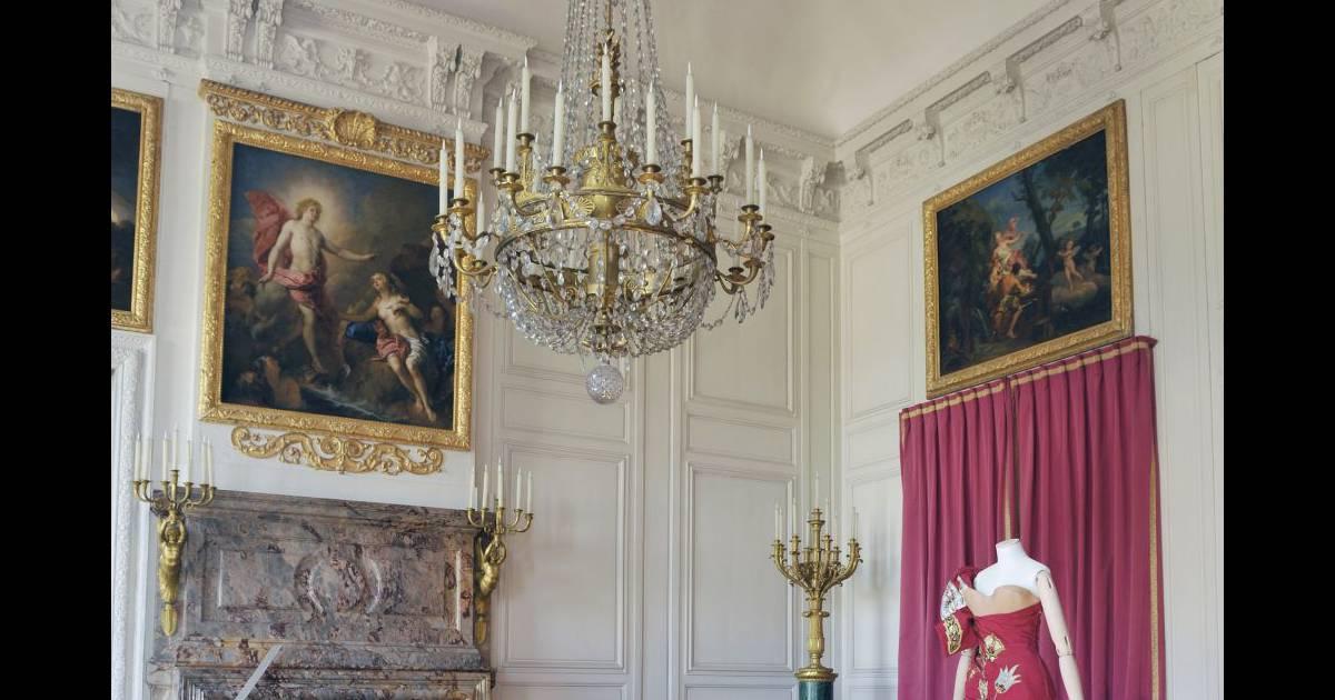 Le xviiie au go t du jour couturiers et cr ateurs de mode au grand trianon - Le gout du jour ...