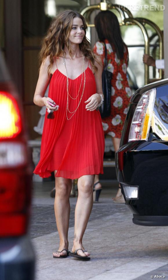 Denise Richards en balade à Beverly Hills.