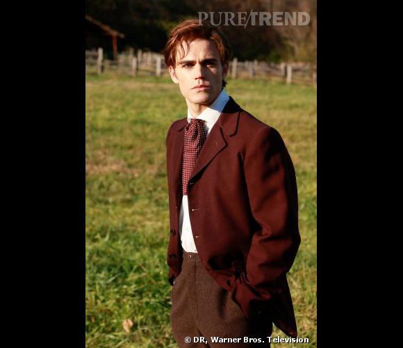 Paul Wesley incarne Stephan Salvatore, un jeune homme de bonne famille transformé en vampire au 19ème siècle.