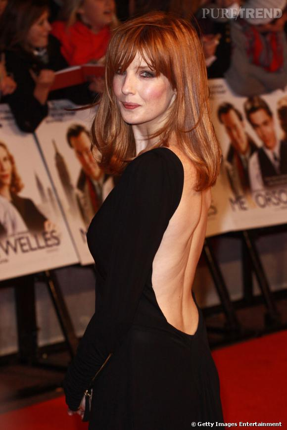 """Découverte dans """"L'Auberge Espagnole"""",  Kelly Reilly  arbore une chevelure rousse brillante à souhait."""