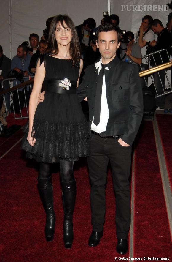 Charlotte Gainsbourg en Balenciaga avec Nicolas Ghesquière au gala du MET de 2006.