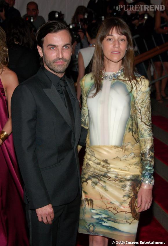 Charlotte Gainsbourg en Balenciaga avec Nicolas Ghesquière au gala du MET de 2008.
