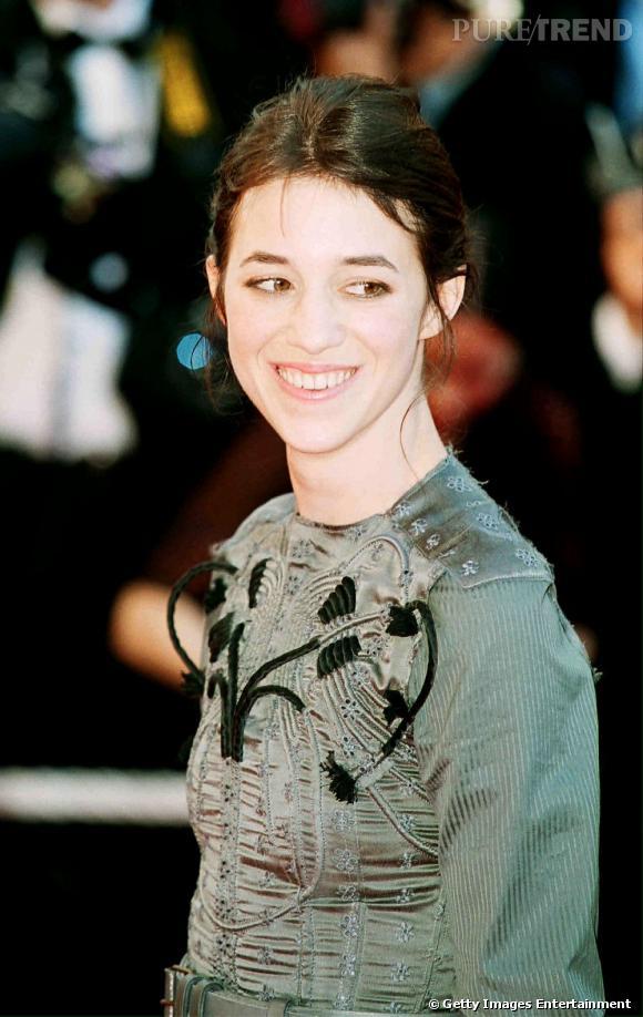 Charlotte Gainsbourg en Balenciaga au festival de Cannes de 2001.