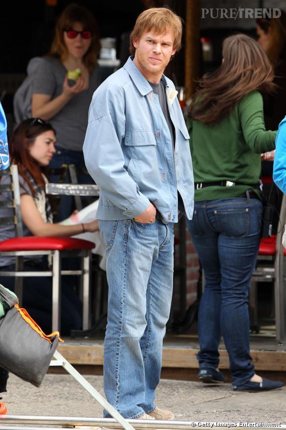 En total look jean il parvient à éviter le flop.