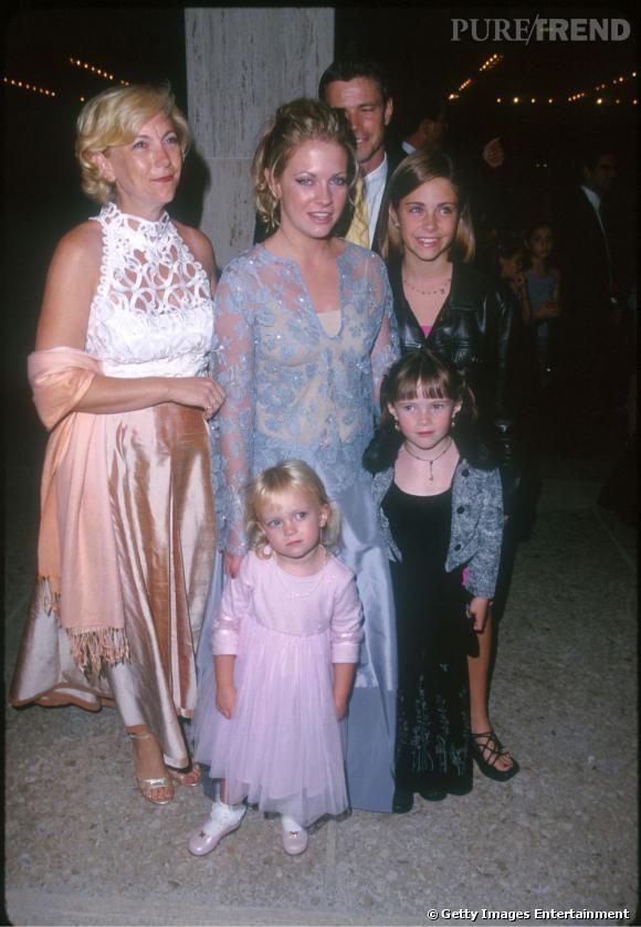 1999 : Portrait de famille. On comprend mieux d'où lui vient son sens du style.