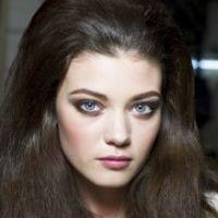 Le bon maquillage selon votre couleur de cheveux