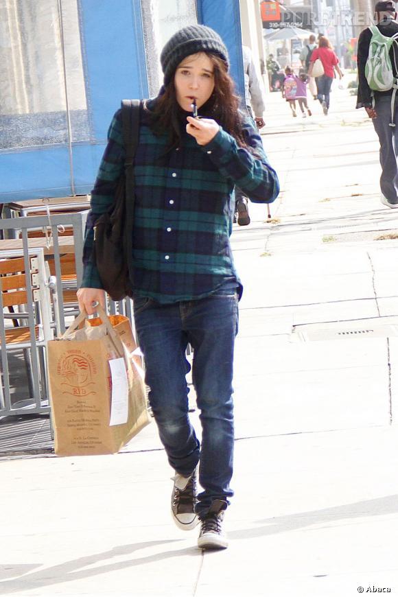 Ellen Page en balade dans les rues de Los Angeles.