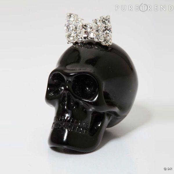 pendentif t te de mort les bijoux de sophie pendentif. Black Bedroom Furniture Sets. Home Design Ideas