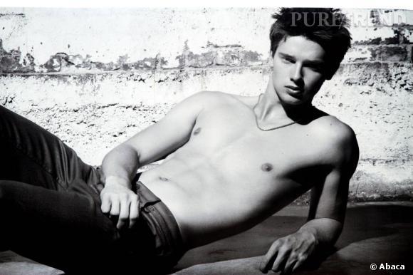Encore inconnu il ya quelques temps, Patrick est le nouveau visage de la campagne Automne-Hiver 2011/2012 des jeans Hudson.