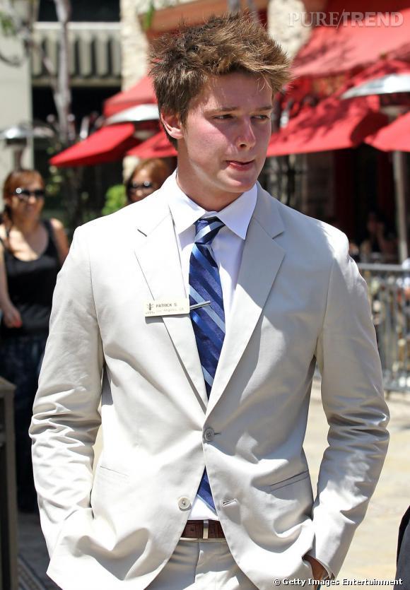 Mannequin, philantrope bientôt acteur, le jeune homme poursuit encore ses études et effectue des jobs d'été comme tout le monde.