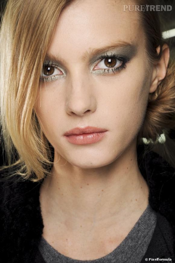 Très Réussir un maquillage yeux marron de soirée SM29