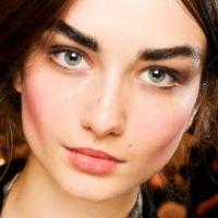 Sublimez vos yeux verts avec nos conseils maquillage