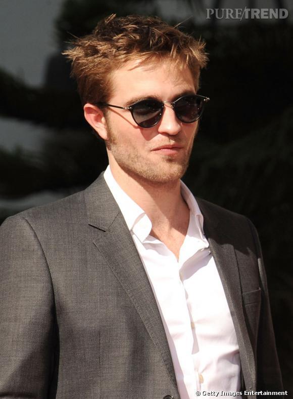Les meilleures lunettes : plus fines et plus tendance, ces lunettes s'harmonisent mieux avec le visage de l'acteur.