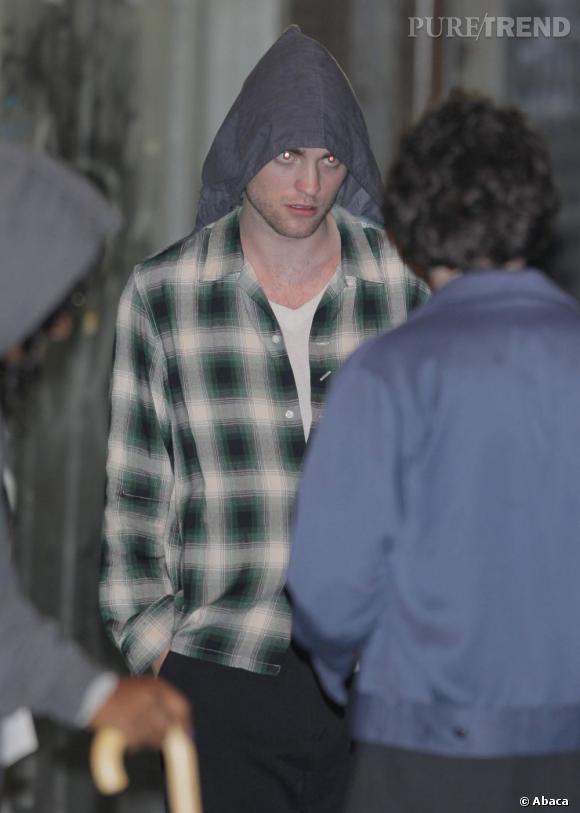 La pire capuche : en plus de faire peur, l'acteur n'a visiblement pas trouvé ses manches...