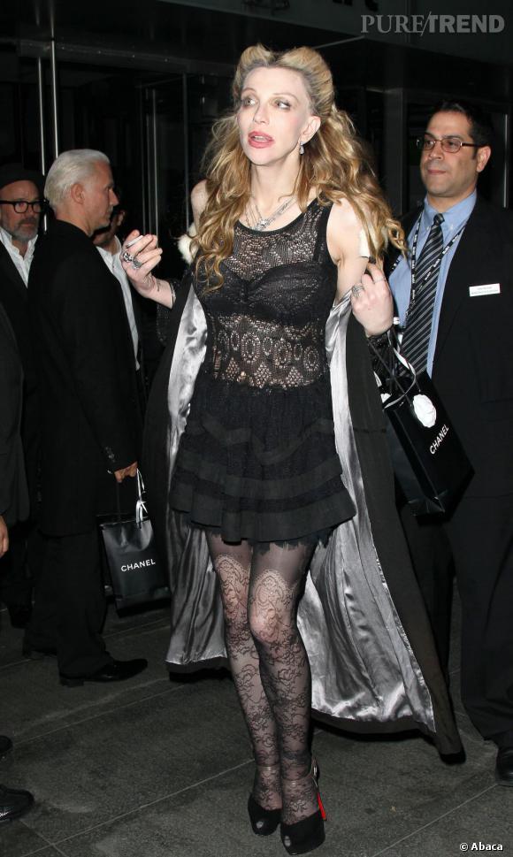 Courtney Love lors du dîner Chanel en l'honneur de Pedro Almodovar au MoMa à New York.