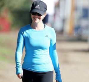 Reese Witherspoon s'entretient avec style