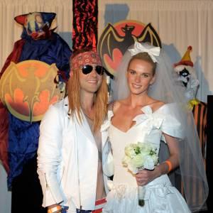 Un couple d'enfer en déguisement d'Halloween. Anne fait vraiment soft.