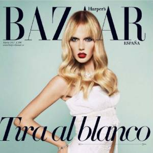 Anne, sublime en cover girl du magazine Harper's Bazaar.