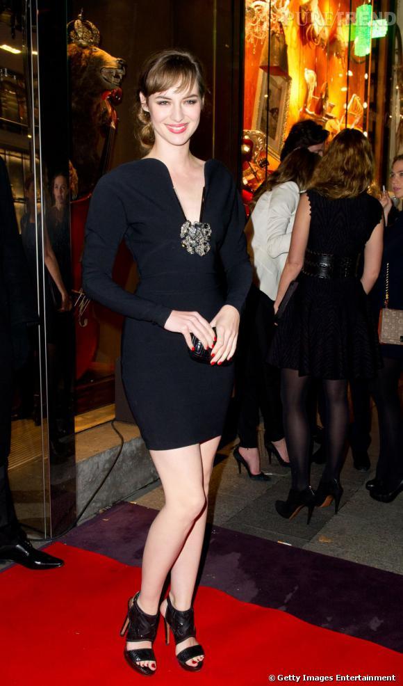 Louise Bourgoin, splendide en robe Lanvin sur le red carpet de la soirée Lancel.