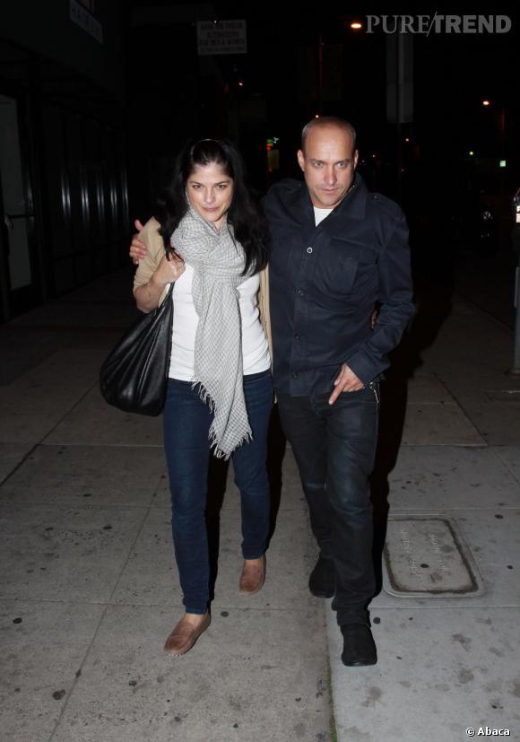 Selma Blair et son boyfriend en balade dans les rues de Los Angeles.