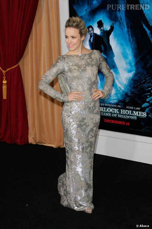 "L'actrice pose en Marchesa resort 2012 pour la première de ""Sherlock Holmes 2""."