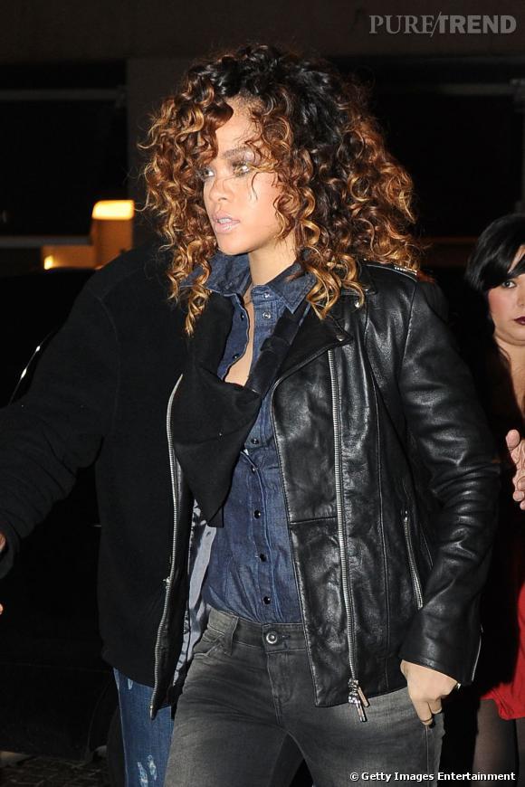 Rihanna renoue avec un beauty-look plus naturel et c'est tant mieux.
