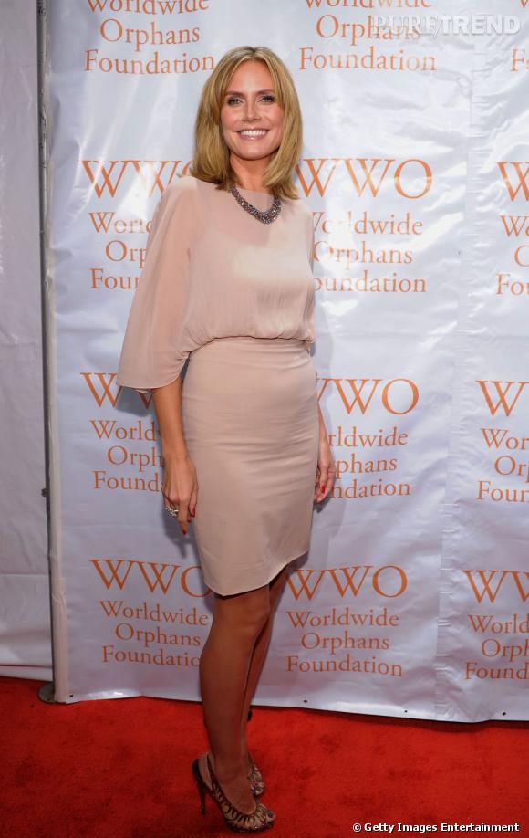 Heidi Klum, vestale en total look nude The Row.