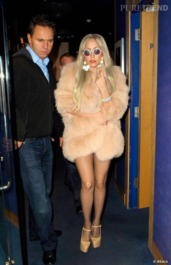 La fourrure adoptée par les stars    Lady Gaga .