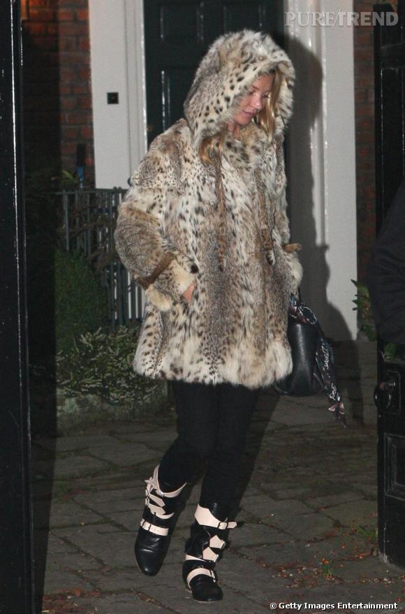 La fourrure adoptée par les stars    Kate Moss.