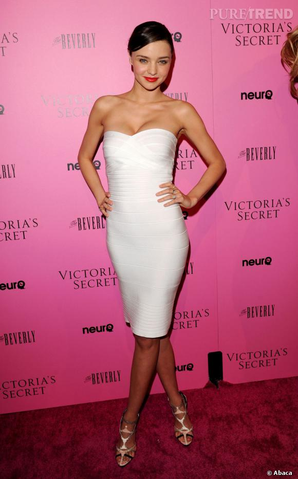 Miranda Kerr, une mini sinon rien !