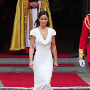 Pippa Middleton et sa robe trop sexy pour un mariage.
