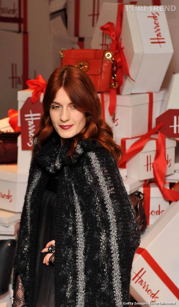 Florence Welch lors du lancement des soldes d'hiver d'Harrods à Londres.