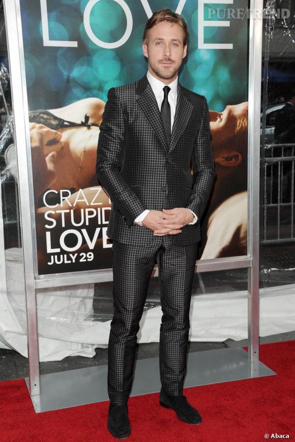 """Nom  : Ryan Gosling    CV :  L'homme de 2011 c'est lui. A l'affiche de """"Crazy Stupid Love"""", """"Blue Valentine"""" ou """"Drive"""" il a mis au placard bon nombre de beaux gosses hollywoodiens. Et ce n'est pas fini puisqu'il est actuellement en plein tournage de """"Gangster Squad"""" l'un de ses trois films prévus pour 2012."""