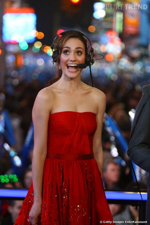 Emmy Rossum visiblement contente de célébrer le nouvel an en plein Times Square.