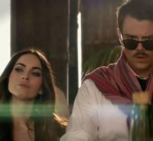 Megan Fox et Josh Duhamel à la recherche de l'hôte de la soirée, Billy Crystal.