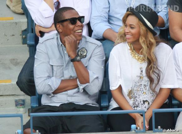 Beyoncé encourage Novak Djokovic. Avec ses longs cheveux wavy c'est une vraie tête à chapeau.