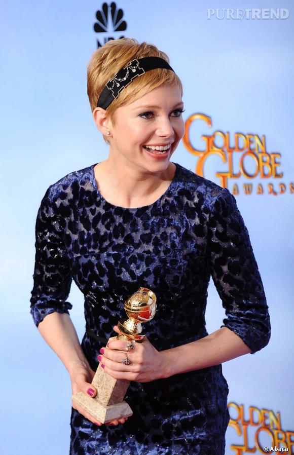 """Michelle Williams, heureuse avec son prix de meilleure actrice dans une comédie pour """"My Week with Marilyn""""."""