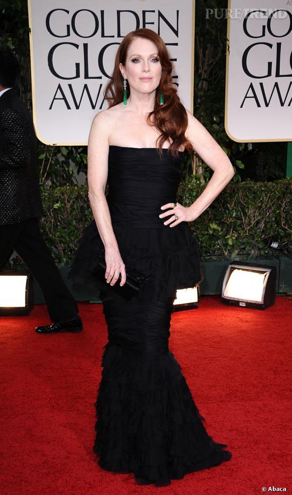 Julianne Moore porte une robe Chanel Haute-Couture 2011/2012.