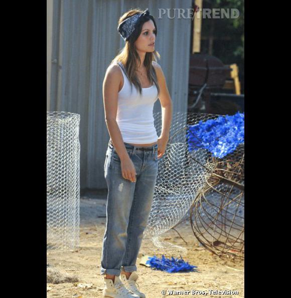 La demoiselle avait déjà adopté le look old school sur le tournage de la série.