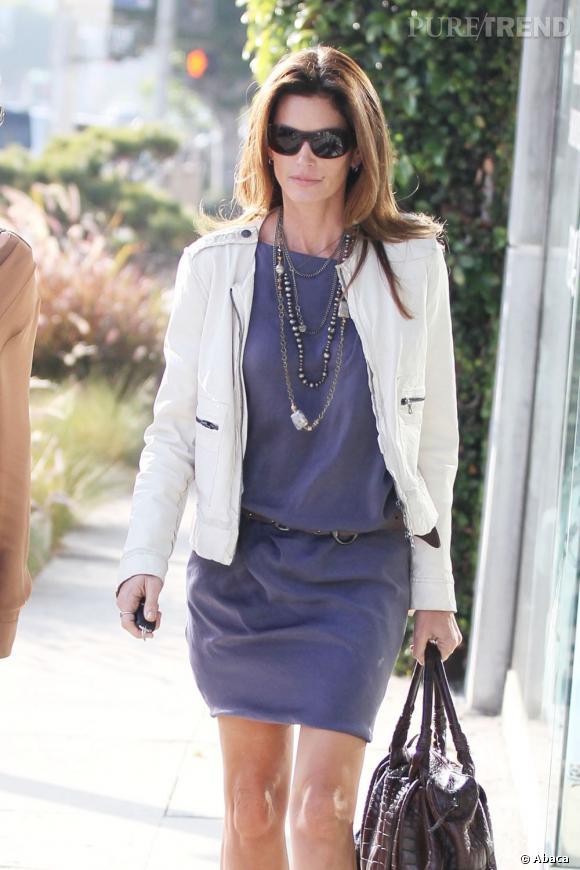 Cindy Crawford de sortie dans les rues de Los Angeles.