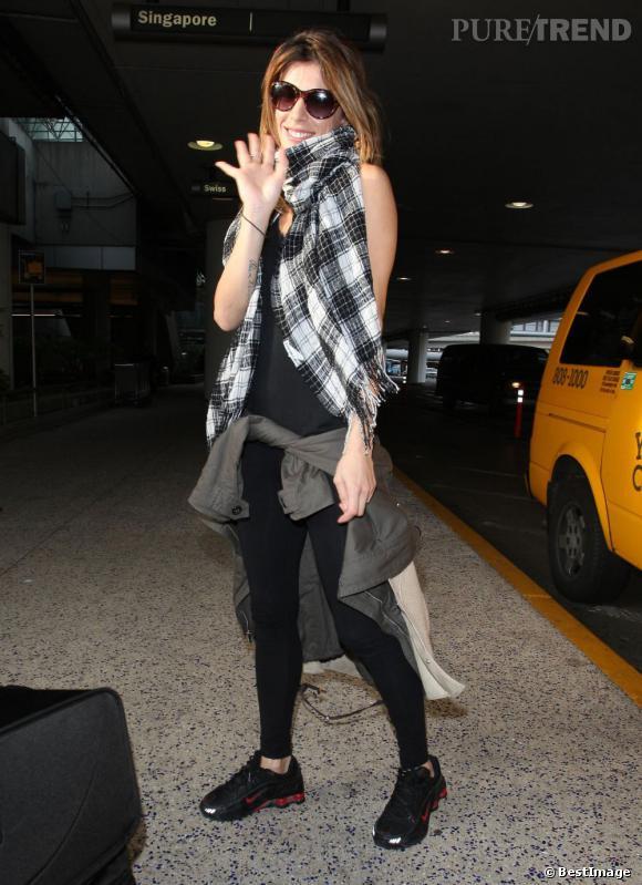Elisabetta Canalis à l'aéroport de Los Angeles.