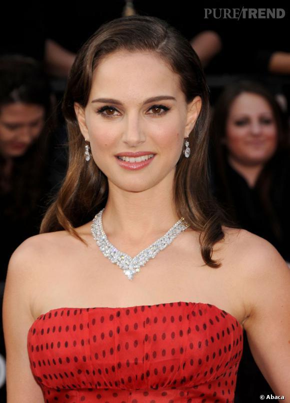 Natalie Portman était parée par Harry Winston.