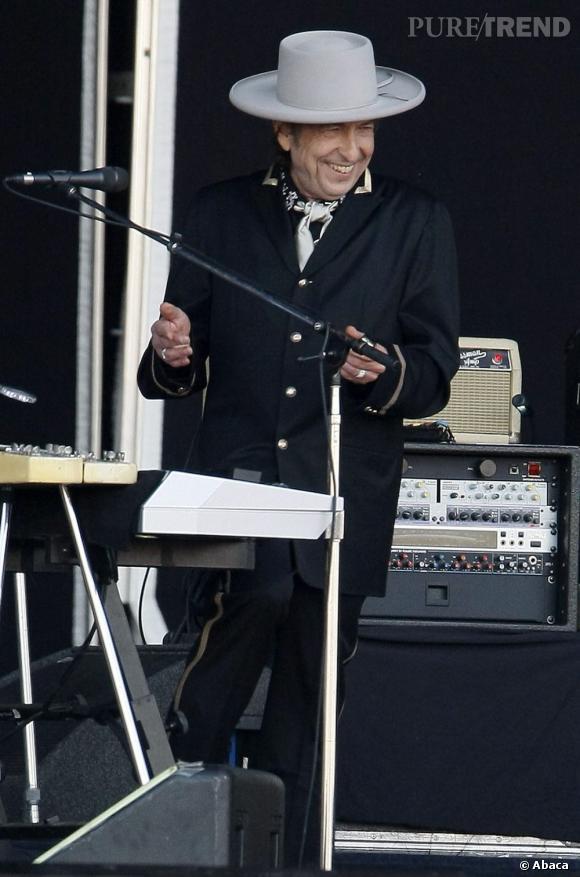 Aujourd'hui encore, le chanteur assure le show en parfaite légende de la musique.