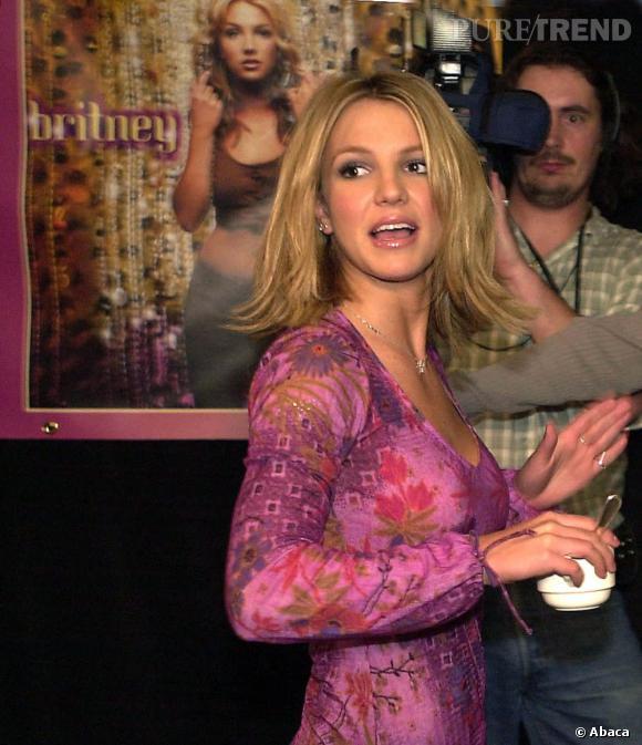 Petite fiancée de l'Amérique, Britney Spears à ses débuts, met en avant son côté fleur bleue et prône l'abstinence avant le mariage.