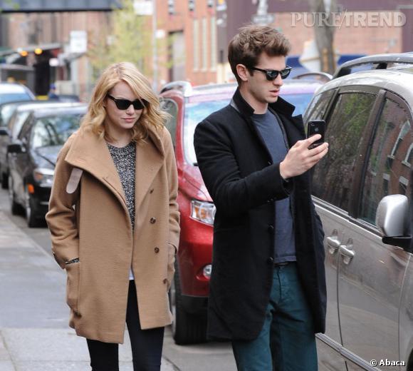 Emma Stone et son boyfriend Andrew Garfield dans les rues de New York.
