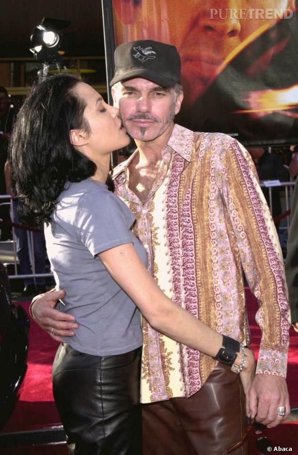 De 1999 à 2003, Angelina jolie est en crise. Provoc', elle l'est avec son deuxième mari Billy Bob Thornton.