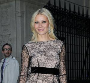 Gwyneth Paltrow vs Charlize Theron : la robe fourreau en dentelle