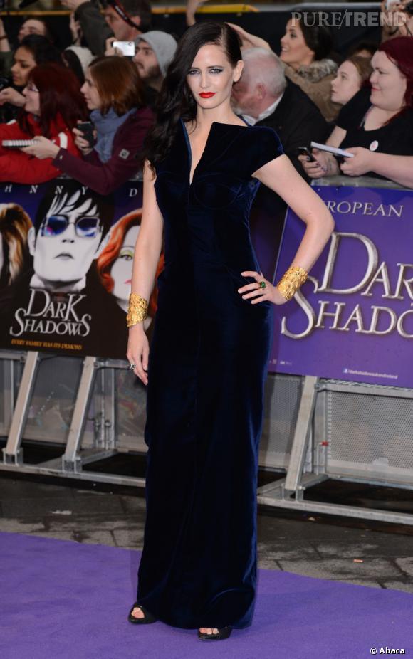 Eva Green sublimée par le velours dans une robe Tom Ford Automne-Hiver 2011/2012.